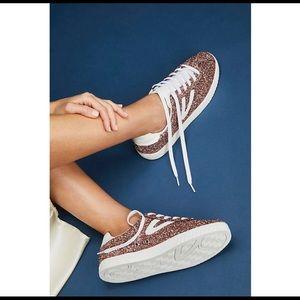 NWOT Trevor's Camden Rose Gold Glitter Sneakers 7